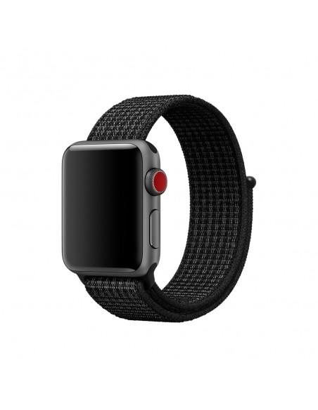 apple-38-mm-musta-pure-platinum-nike-sport-loop-ranneke-2.jpg