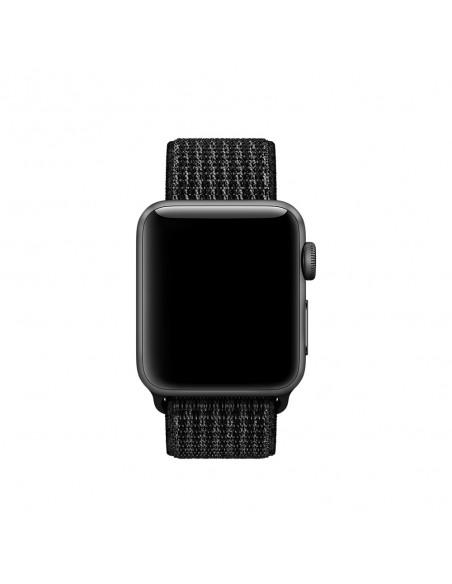 apple-38-mm-musta-pure-platinum-nike-sport-loop-ranneke-3.jpg